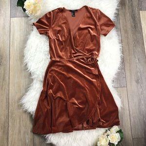 🍂 F21 Amber Velvet Surplice Wrap Dress 🍂